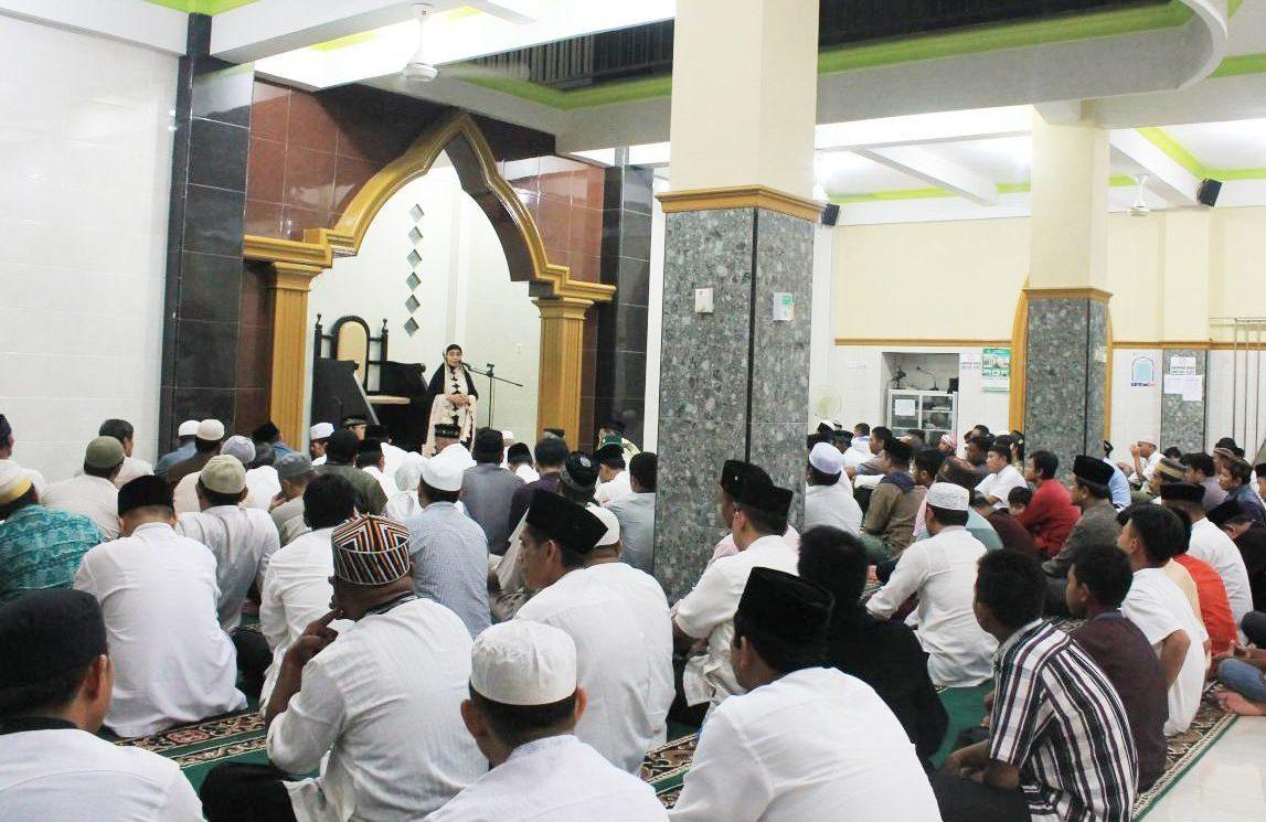 Safari Ramadhan, Wali Kota Bontang Berikan Bantuan Pembangunan Masjid